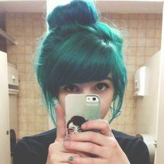McKinnley's dyed hair.