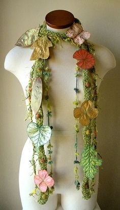 Tweedy Spring Green with Gold and Coral Berries