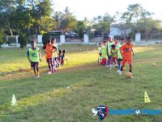 Uni Papua FC Soe doing routine exercise at field with material Skill, Control, and Games http://unipapua.net/berita/uni-papua-fc-soe-with-routine-exercise/
