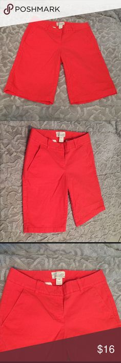"J Crew Factory Coral Bermuda Shorts J Crew Factory Bermuda Shorts Good preloved condition Size: ""00""  98% Cotton, 2% Spandex Color: Coral  Reach out with any questions or offers, happy poshing! J. Crew Factory Shorts Bermudas"