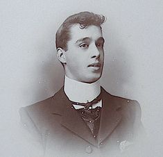 Cabinet Card antique. Featuring a young gentleman in a high