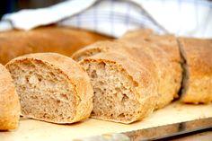 Se opskriften på verdens bedste brød med fordej, der er med til at brødet får en saftig struktur. Fordejen laves i god tid inden bagningen. Verdens bedste brød med fordej er faktisk nemt at lave, m…