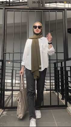 Hijab Fashion Summer, Modern Hijab Fashion, Street Hijab Fashion, Islamic Fashion, Muslim Fashion, Look Fashion, Romantic Fashion, Abaya Fashion, Hijab Casual