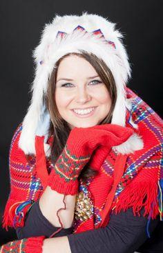 KILILAKKI - A goatling headwear for women - Eeva-Liisa Rasmus-Moilanen, projektipäällikkö Sápmi Miehtá –hanke / virtuaalikoulu, Saamelaisalueen koulutuskeskus