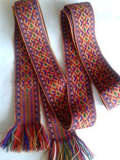 Läti -- Beautiful colors - Latvian weaving not card weaving Alsungas josta