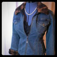 HOST PICK! Mudd lined Jean jacket Cute Mudd jean jacket with faux fur trim. Lightly lined. Like new condition.  Tag says L but would fit a 6 loosely and an 8 for a tighter more fitted look. Mudd Jackets & Coats Jean Jackets