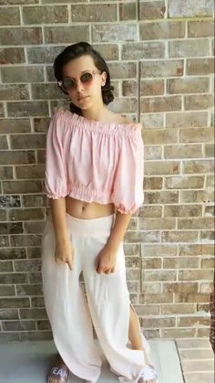 [finn x millie] millie and finn are back in atlanta for stranger thin… Bobby Brown Stranger Things, Elle Fanning, Beautiful Gorgeous, Bobbi Brown, Role Models, Pink Dress, Girl Fashion, Cute Outfits, Celebs