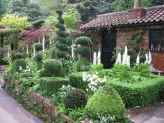 Chelsea Flower Show 2014  The Topiarist Garden at West Green House