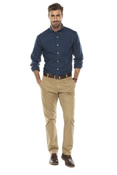 Camping Outfits Men Catalog 68 Ideas For 2019 Chinos Men Outfit, Khaki Pants Outfit, Tan Chinos, Smart Casual Men, Stylish Men, Business Casual Khakis, Interview Outfit Men, Kohls Outfits, Ropa Semi Formal