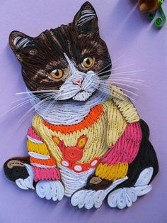 Quilled cat in a sweater Neli Quilling, Quilling Images, Origami And Quilling, Quilled Paper Art, Quilling Paper Craft, Quilling Patterns, Quilling Designs, Quilling Ideas, Quilling Techniques