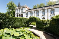 Set in landscaped classic gardens, the Casa da Insua is a member of the (Spanish) Paradores chain. The hotel features ornate interiors and has a restaurant.