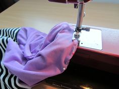 """Mesign - Clothes by me for me: """"Lörppäpipon""""/ruttupipon ompeluohje // Sewing directions for a loose jersey hat Clothes Crafts, Sewing Clothes, Chemo Caps Pattern, Fleece Hats, Diy Hat, Sewing For Beginners, Beanie Hats, Hat Patterns, Fashion"""