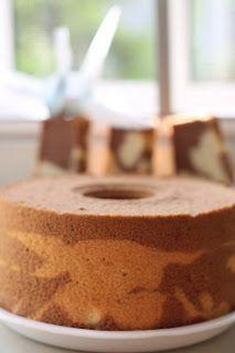 厨苑食谱: 可可香蕉戚风蛋糕(Chocolate Banana Chiffon Cake) Chocolate Chiffon Cake, Banana Cakes, Cooking Recipes, Sweets, Ethnic Recipes, Food, Banana Pound Cakes, Gummi Candy, Chef Recipes