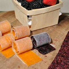 Homemade fruit roll-ups - real fruit - Casey tells me this is the best fruit snack he's ever had. Fruit Snacks, Fruit Recipes, Snack Recipes, Fruit Food, Kid Snacks, Diet Recipes, Eat Fruit, Recipies, Fruit Bake