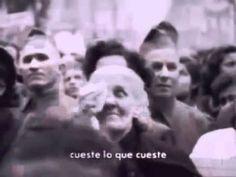"""Ella motivó la gente con sus palabras fuertes y por eso la multitud respondieron con el frase """"¡Evita!"""". En su discurso, ella apoyó su esposo, la presidente de Argentina, Juan Perón. MS IR"""