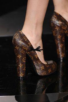 Louis Vuitton Monogram Shoes @}-,-;--