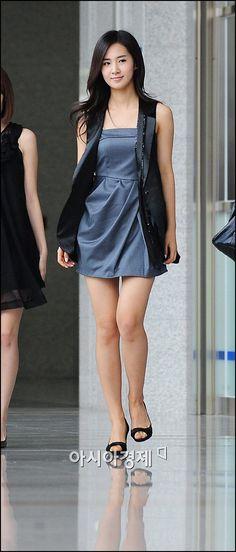 Yuri Kwon (snsd) Dress - soompi forums #SNSD #GIRLSGENERATION #yuri