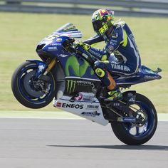 Valentino Rossi さんはInstagramを利用しています:「#wheeliewednesday #wheelie #valentinorossi #vr46 #forzavale #iostoconvale #thedoctor #valeyellow46 #yellowfamily #agv #agvhelmets #dainesecrew #michelin #keepfighting #motogp #monsterenergy #yamahateam #yamahamotogp #motogp」