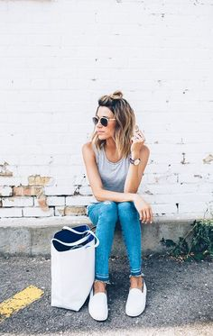 Casual denim paired with a loose, gray tank and white tote. Perfect for running around town in the summer.