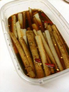 我家の常備菜「ごぼうのピリ辛漬け」