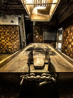 Abandoned Hospital - Looks like another operating table.
