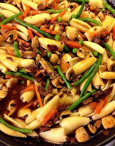 Stark, Pasta Salad, Sausages, Meat, Ethnic Recipes, Food, Crab Pasta Salad, Sausage, Noodle Salads