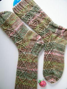 Ravelry: Wasserschildkröte socks pattern by Scarlet Plume