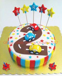 Sibel'in Tarif Defteri Sibelle Butik Pasta ve Kurabiye Tasarımı: KEREM'İN ARABALI 2 YAŞ PASTASI cake wedding cake kindergeburtstag ohne backen rezepte schneller cake cake Cake Designs For Boy, Cookie Designs, Baby Birthday Cakes, 2nd Birthday, Bus Cake, Transportation Birthday, Jungle Cake, Cake Photography, Cakes For Boys