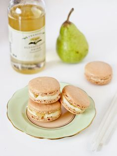 Pear & elderflower macaroons