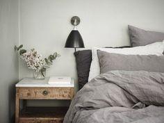 Tendance blog deco maison le gris vert chambre drap en lin gris mur gris vert peinture ambiance naturelle cosy