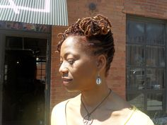 Natural Hair Styled at the Stylin Party  May 25th  www.everettes.com  https://www.facebook.com/events/194023864080538/