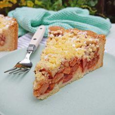 Appelkruimeltaart met rode Redlove appels ~ ~ www. Apple Crumble Pie, Apple Pie, Lasagna, Ethnic Recipes, Food, Snacks, Essen, Meals, Yemek