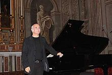 Ludovico Einaudi at Quirinal Palace in 2008.  Some of the most beautiful music on the planet.  Una Mattina  is an amazing CD