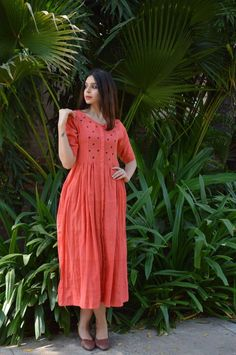 sudha's media statistics and analytics Stylish Dresses, Simple Dresses, Casual Dresses, Salwar Designs, Blouse Designs, Dress Designs, Indian Dresses, Indian Outfits, Fashion Wear