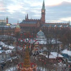 Jul love Christmas in Copenhagen! Make the most of it with these 10 holiday activities for a season chock full of charm in the Danish capital. Denmark Travel, Tivoli Gardens, World Pictures, Scandinavian Christmas, Holiday Activities, Copenhagen, Barcelona Cathedral, Paris Skyline, Things To Do