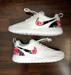 a77c1e57e28e Nike Roshe Worn twice.. still like new    Nike Shoes Sneakers ...