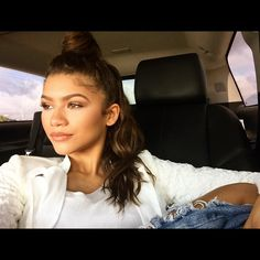 Zendaya | Taking over the @/MaterialGirl insta for a little meet&greet today @/Macys headed there now