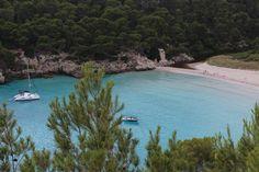 Las islas baleares, para mi las islas más bonitas de España. Sus aguas azul turquesa y vegetación mediterránea enamoran a cualquier persona. Visita mi blog de viajes para descubrir mis aventuras por las Baleares: https://unachicatrotamundos.wordpress.com/