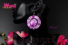 Ohrringe mit Airbrush verziert Earrings decorated with airbrush Airbrush, Earrings, How To Make, Jewelry, Decor, Schmuck, Air Brush Machine, Ear Rings, Stud Earrings