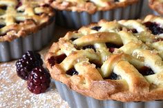 Apple and Blackberry Pies - Weber Weber Q Recipes, Blackberry Pie Recipes, Pie 5, Pastry Brushes, Most Delicious Recipe, Recipe Steps, Dessert Recipes, Desserts, A Food