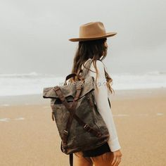 Leather Canvas Backpack (15) Top Backpacks, Outdoor Backpacks, Vintage Backpacks, Backpacks For Sale, Leather Backpacks, Canvas Messenger Bag, Canvas Backpack, Laptop Backpack, Hiking Backpack