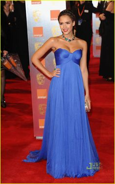 Jessica Alba in Atelier Versace. Love the color and style.