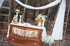 Vintage rentals; photo props; styling