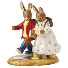 Bunnykins by Royal Doulton - Bunnykins Figure of the Year 2013, Off to School DB 498