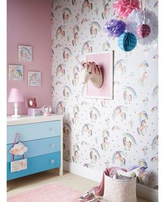 The Rainbow Unicorn Wallpaper by Arthouse will add a touch of magic to your little one's bedroom or playroom. The charming design is full of glistening unicorns, glittering clouds and sparkling rainbows all set upon a white background.