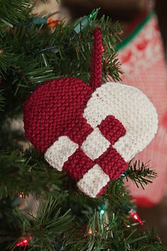 18 Knit Christmas Ornaments Showcase                                                                                                                                                                                 More