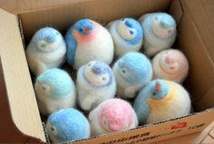 ちぐはぐ - needle felt penguins. How cute are these?
