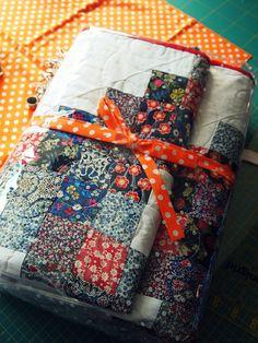 All dark florals quilt. Purdy!