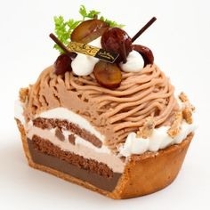 Mont-blanc Tart, whipped cream + chocolate marron + tart with malonic cream rich flavor.