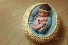 Купить Вязаная корзина для фотосъемки новорожденных - комбинированный, корзинка для фотосессии, корзинка для интерьера, Вязание крючком